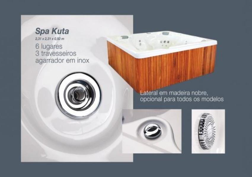 Foto de Spa Kuta em Acrílico Luxo