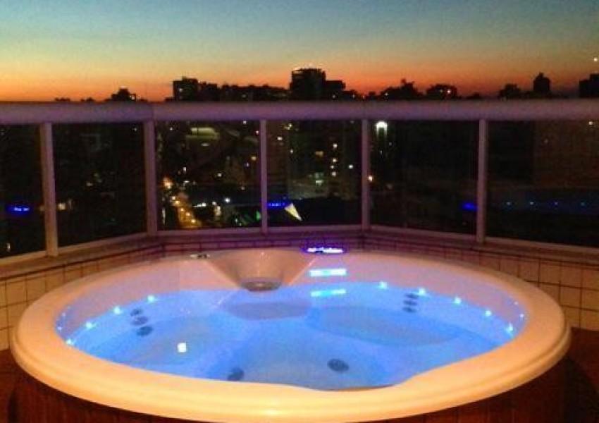 Foto de Spa Avalon em Acrílico Luxo