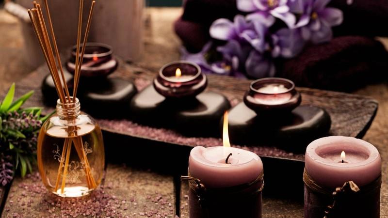 Aromaterapia promove saúde e bem-estar por meio de cheiros